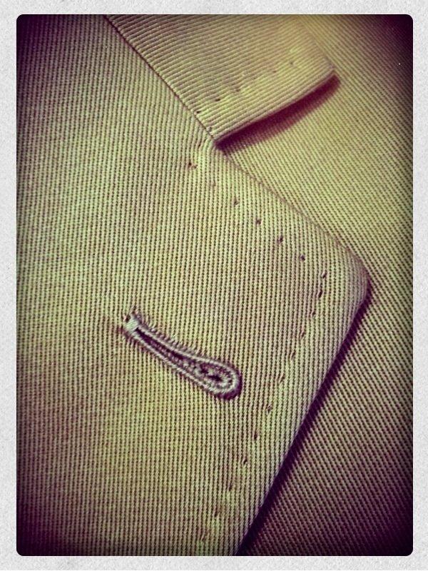 Giacca sartoriale in cotone Ermenegildo Zegna ~ Sartoria Scavelli ~ dettaglio asola cucita a mano